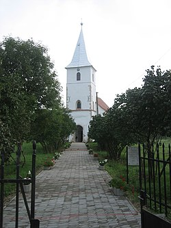 Reformed Church in Luncani.jpg