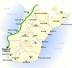 Map of the province of Reggio Calabria, with Rosarno located to the north between the coast and the A3 motorway (A3 depicted in green).