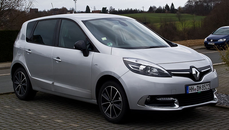 Archivo:Renault Scénic Bose Edition ENERGY TCe 130 Start & Stop (III, 2. Facelift) – Frontansicht, 9. Februar 2014, Velbert.jpg