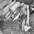 Restanten van het houtwerk van de voormalige torenspits - Hazerswoude - 20103726 - RCE.jpg