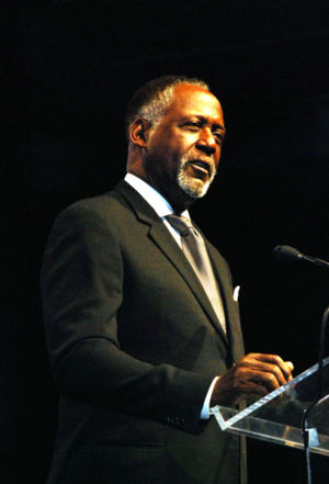 Richard Roundtree - Richard Roundtree in February 2007