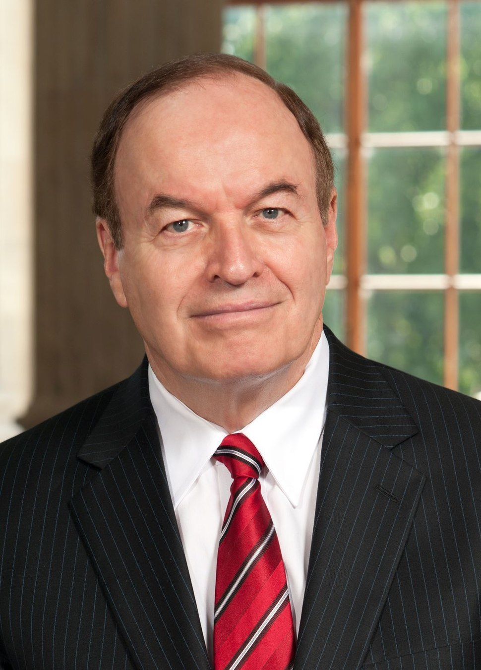 Richard Shelby, official portrait, 112th Congress (cropped)