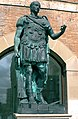 Rimini statua di Giulio Cesare.jpg