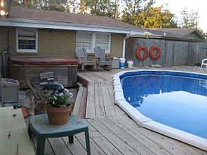 Backyard pool and hot tub, River Ridge, Louisiana
