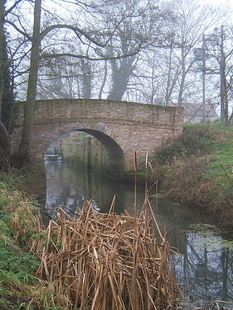 River Gipping - Bridge over the River Gipping, with Creeting Lock chamber beyond