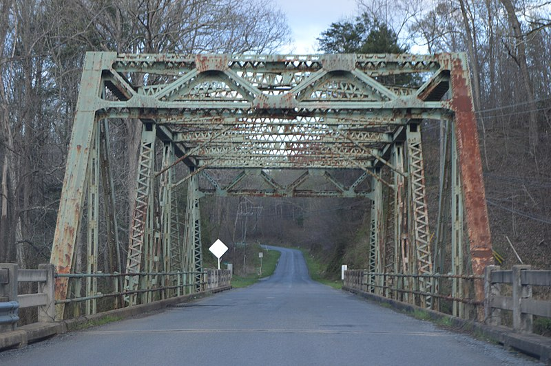 File:Riverbend Road Bridge.jpg