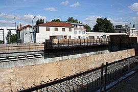 Road work above Highway A6B in Le Kremlin-Bicetre 2011 14.jpg