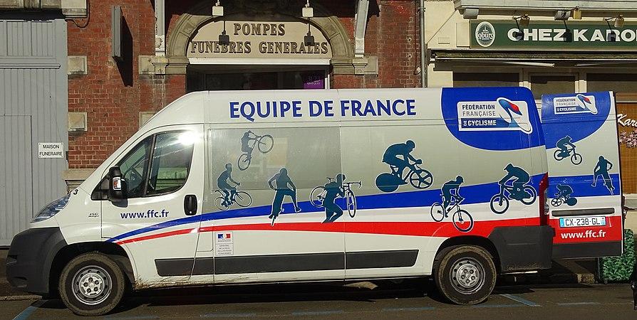 Saint-Amand-les-Eaux - Paris-Roubaix juniors, 10 avril 2016, départ (A20).JPG