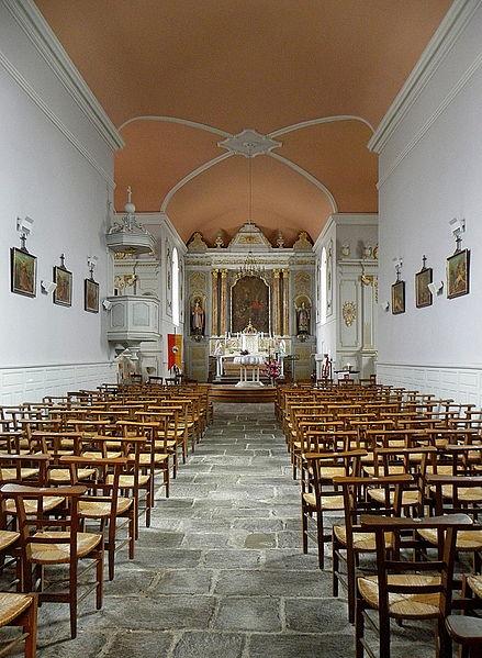 Intérieur de l'église Saint-Guinou, commune de Saint-Guinoux (35).