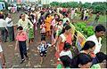Saroj Ghose Controlling Queue - Dinosaurs Alive Exhibition - Science City - Calcutta 1995-07-31 365.JPG