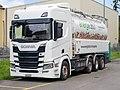Scania R500 mit Holzpelletsbehälter (2021).jpg