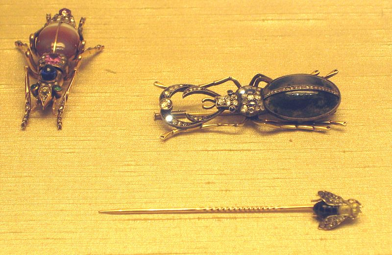 File:Scarabs brooches and fly pin.jpg