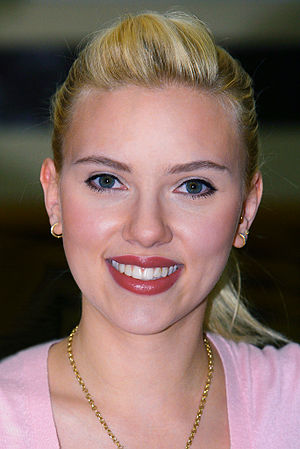 Girl with a Pearl Earring (film) - Image: Scarlett Johansson in Kuwait 01b tweaked