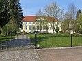 Schossin, Gutshaus und Teil des Parks.jpg