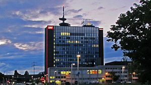 Deutsch: Zürich, Schweizer Fernsehen DRS (SRF)...
