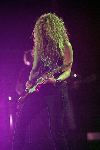 Shakira - Shakira performing at the Rock in Rio festival in 2006