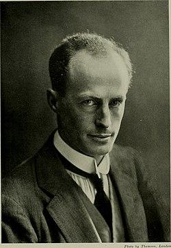Sir Douglas Mawson, 1914.jpg