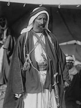 Segunda visita de Sir Herbert Samuel a Transjordania, etc. Oudi Abou Tai, el famoso jeque beduino.  LOC matpc.02315.jpg