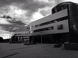 Sir Ian Wood Building (B&W).jpg