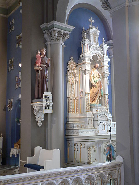 File:St. Leonard church (Madison, Nebraska) St. Joseph altar  2.JPG