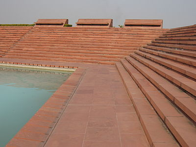 Stairs-and-pool-at-Lotus-Temple.jpg