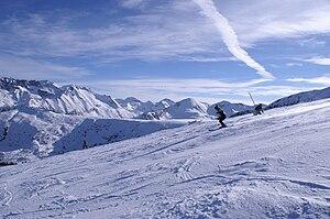 Bansko - Skiers near Bansko