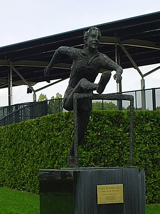 Fanny Blankers-Koen - A statue of Blankers-Koen in Hengelo