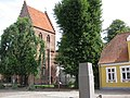 Stubbekøbing Kirke ved torvet.jpg
