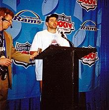 Warner nella conferenza stampa dopo la vittoria del Super Bowl.