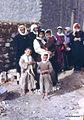 Syrien 1961 Menschen vor Mauer 0002.jpg