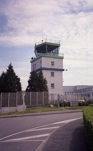 Quimper–Cornouaille Airport - Image: TWR2 rot crop