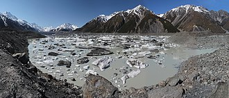 Tasman Lake - Image: Tasman Lake panoramic view from near its outlet