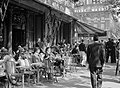 Terras van Café de la Paix aan de Boulevard des Capucines, Bestanddeelnr 191-0389.jpg