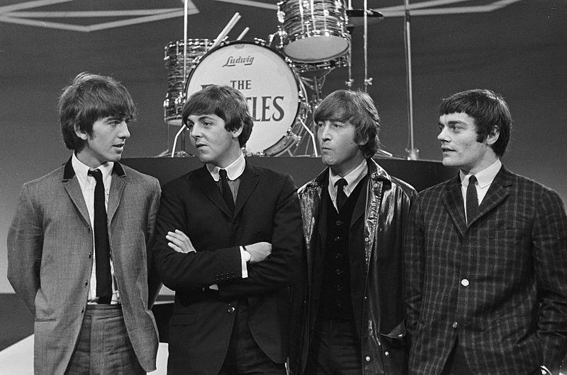 File:The Beatles with Jimmie Nicol 916-5100.jpg