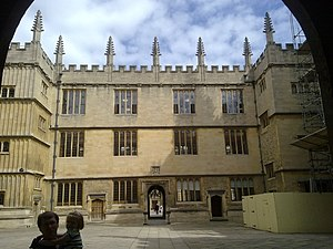Bodleian Library - The courtyard of the Bodleian Library from the south entrance, looking to the north entrance