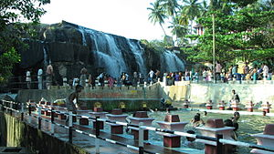Thirparappu Waterfalls.JPG