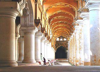 """Bombay (film) - Thirumalai Nayakkar Mahal where """"Kannalane"""" was shot."""