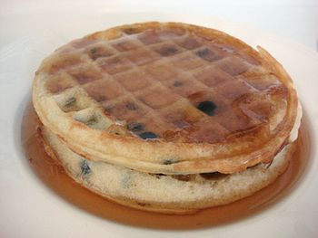 English: Photograph of two Eggo's toaster waff...