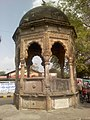 Tomb of Kanti Chander Mukerjee at Nagpur.jpeg