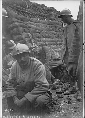 Tranchée de 1re ligne en Champagne, 1915
