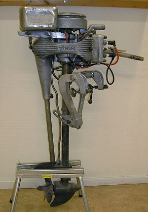 Outboard motor - Bolinder's two-cylinder Trim outboard engine.