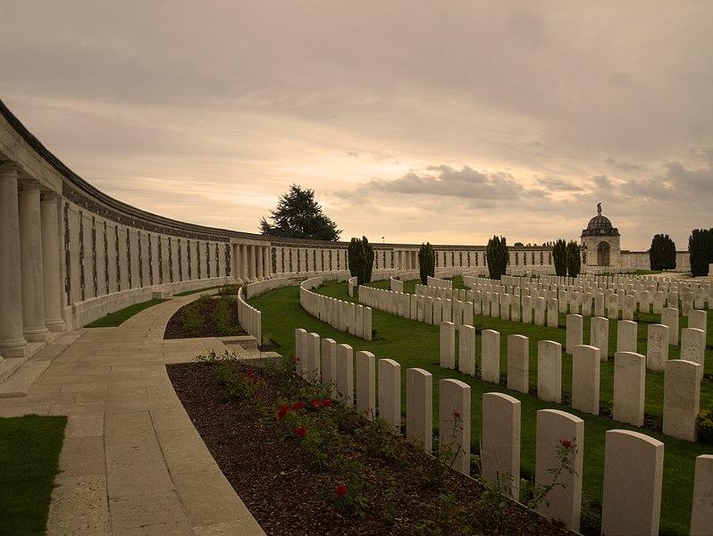 File:Tyne Cot Cemetery, Passendale.jpg