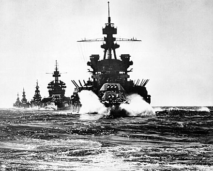 The battleships Pennsylvania and Colorado lead three heavy cruisers into the Lingayen Gulf for the pre-assault bombardment of Japanese shore positions USS Pennsylvania moving into Lingayen Gulf.jpg