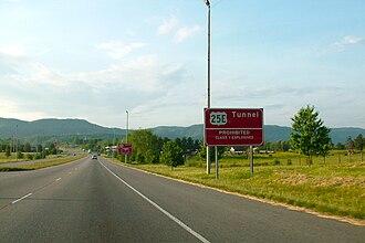 U.S. Route 25E - Warning signs along U.S. 25E approaching Cumberland Gap Tunnel