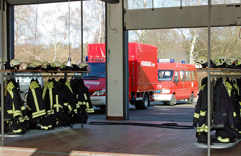 File:Uetersen Feuerwache 08.jpg