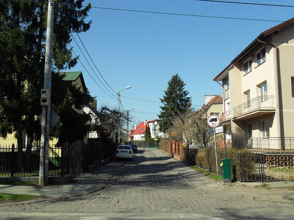 1024px-Ulica_Paneckiego_w_Gda%C5%84sk.JPG