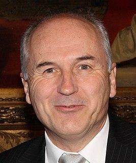 Valentin Inzko Austrian diplomat