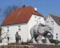 Verkehrskreisel mit Elefant und Bauerr Hans Buch.JPG