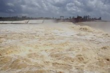 File:Video of Longtang Dam after tropical storm Dianmu.ogv