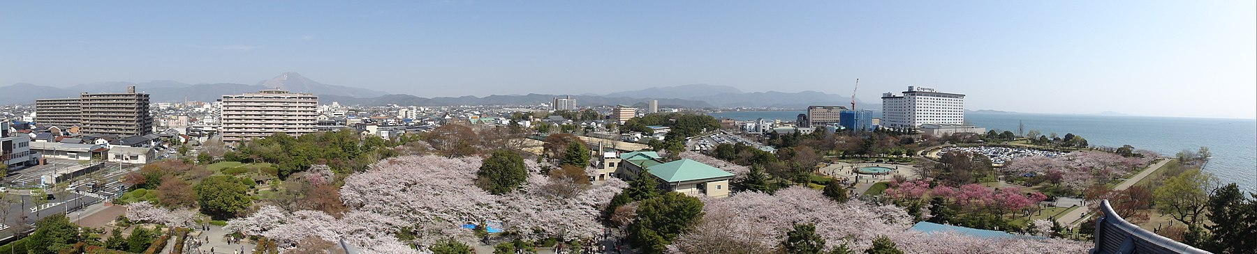 View from Nagahama-castle.JPG